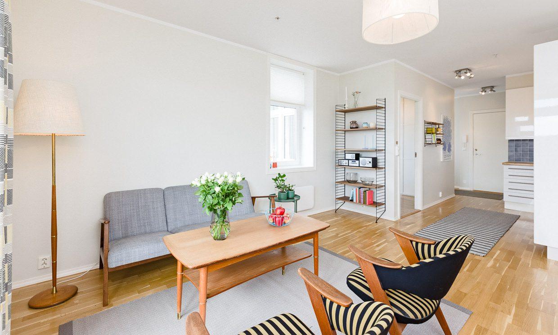 Boliftofoto, stue og kjøkken